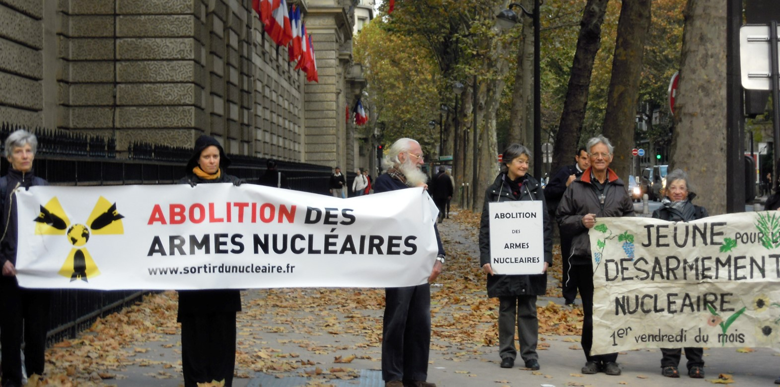 Abolition des armes nucl aires site de l 39 association for Arme defense maison